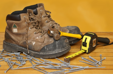 Workplace Injury Prevention: Using the Right Footwear